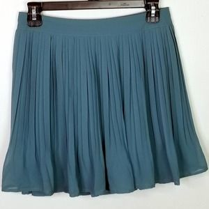 Candies Flirty Pleated Skirt Size Small